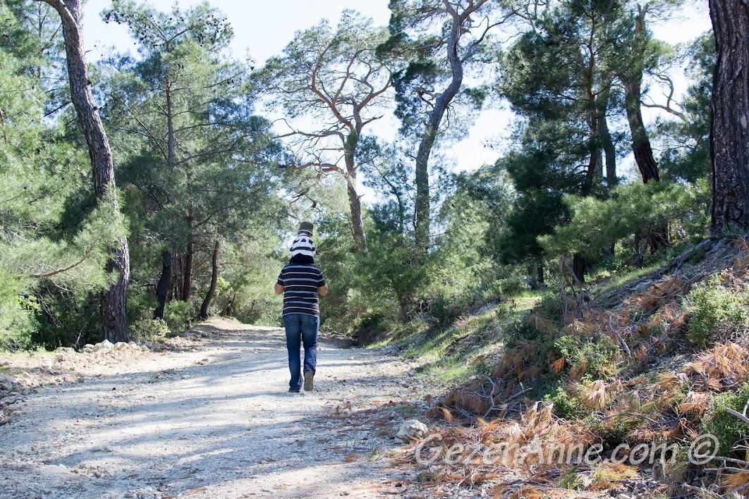Zeus Altarı'na yürürken, Adatepe Çanakkale