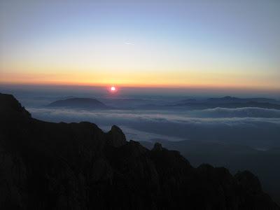 răsărit de soare pe Bucşoiu la maraton 7500