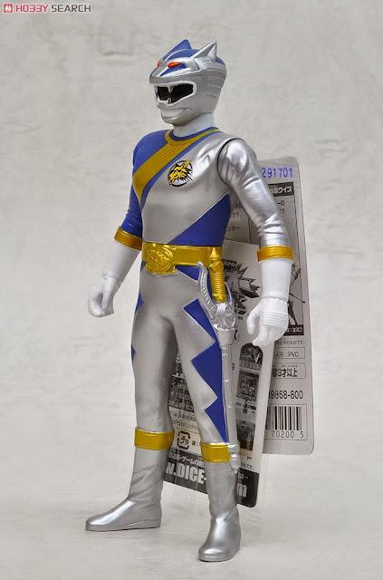 Mô hình Siêu nhân Gao Silver với các khớp vai và hông cử động tạo nên những hình ảnh ngộ nghĩnh