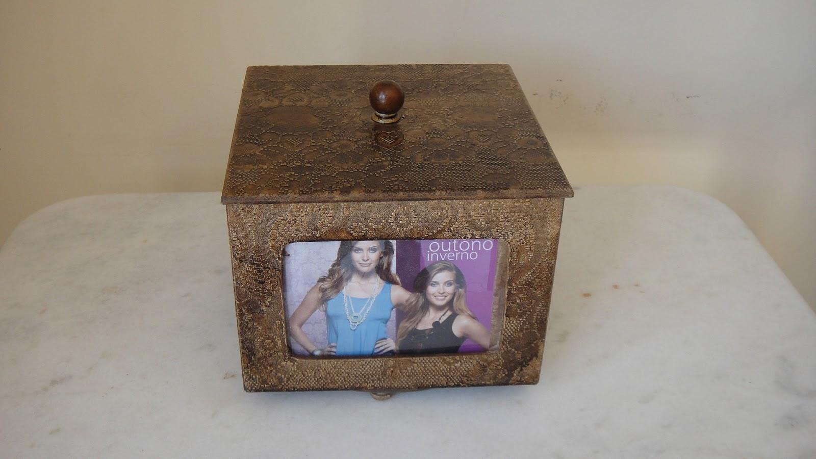 : Caixa Giratória para fotos Pintura em madeira textura vidro #604936 1600x900