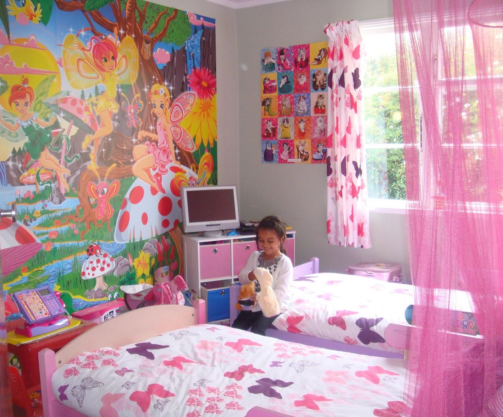 Cadlow vape world share your wall mural for Cadlow mural world