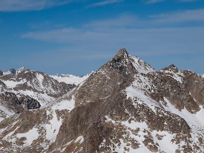 Pic de Peguera des del cim de la Mainera, mirant cap al nord