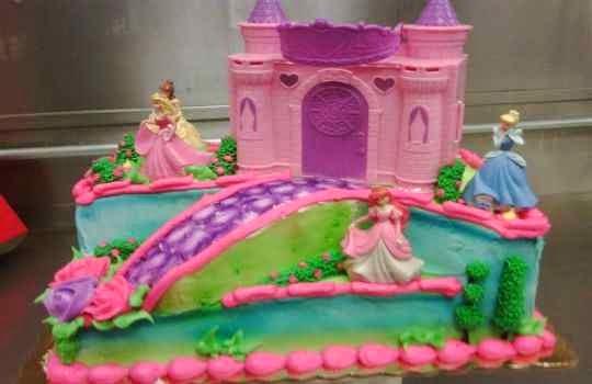 Tarta de princesas para fiestas