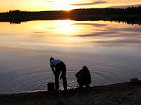 Päikeseloojang kanuumatkal