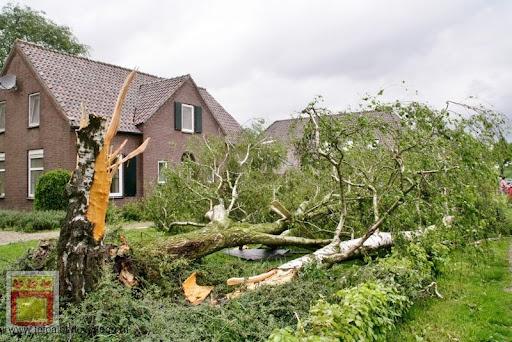 Noodweer zorgt voor ravage in Overloon 10-05-2012 (72).JPG