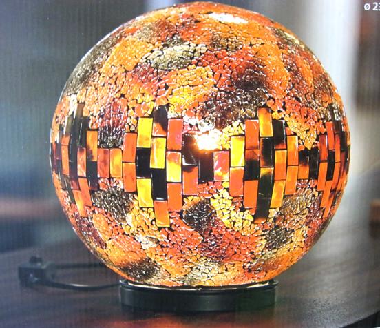 xxl leuchtkugel mit glasmosaik beleuchtete glaskugel. Black Bedroom Furniture Sets. Home Design Ideas