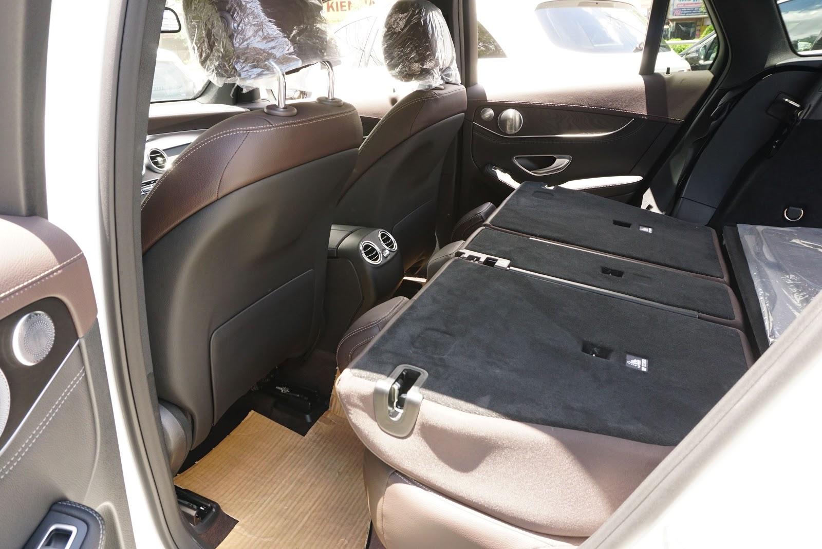 Khách hàng có thể chở các hành lý lớn như xe đạp, tủ đồ khi hạ hàng ghế thứ 2