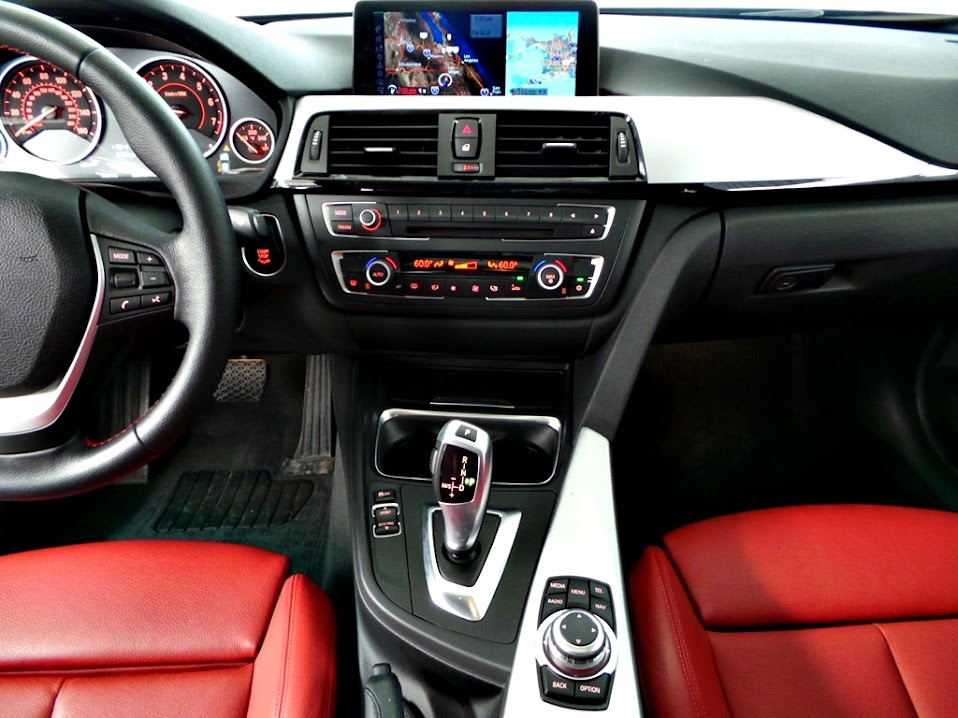 BMW 328I F30四門轎跑車台灣價錢,規格,配備,顏色,油耗,貿易商二手車中古車外匯車價格行情介紹及試駕心得評價開箱分享