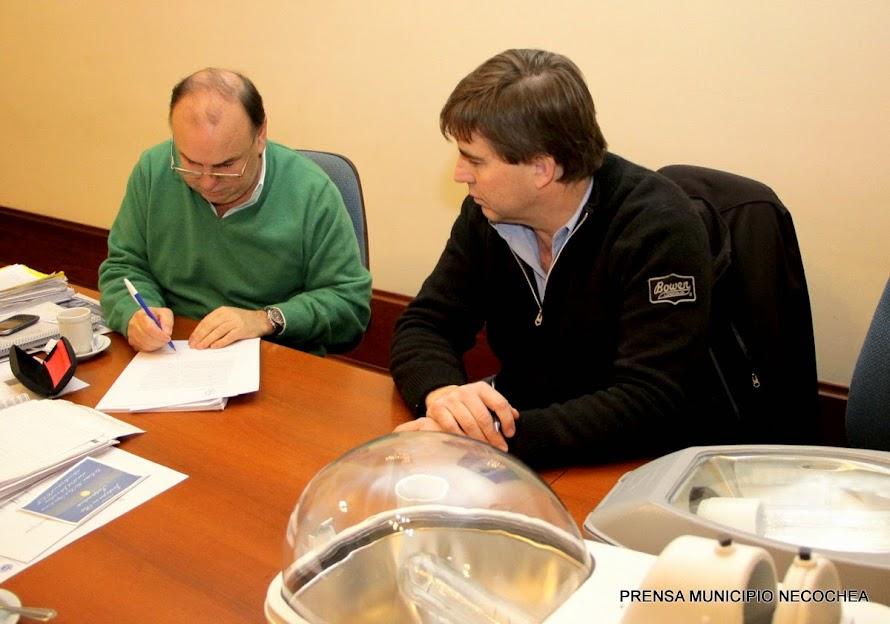 representación de la empresa Plantel estuvo el Ing. Arturo Montaldi, como así también los concejales Gonzalo Diez y Andrea Perestiuk