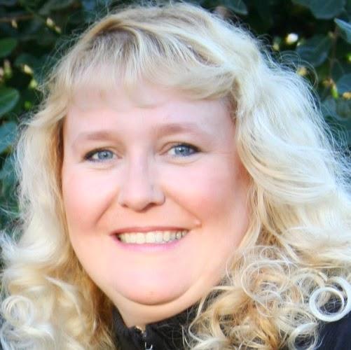 Heidi Johnston Photo 27