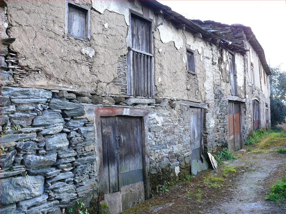 Casas antiguas casa de piedras azules - Fotos de casas antiguas ...