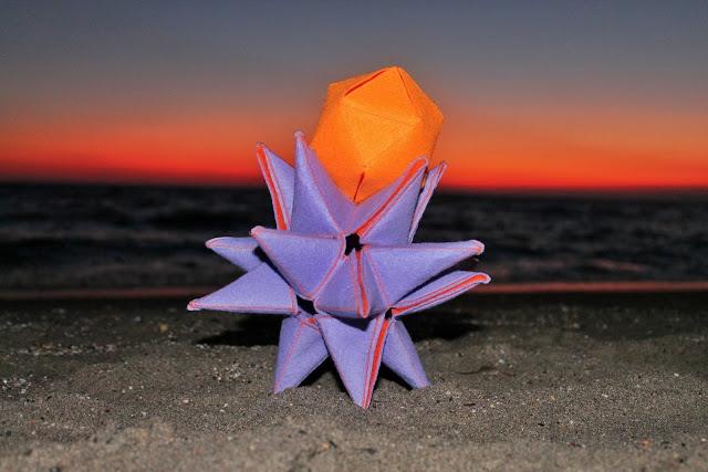 Poliedros estrellados - Stellated polyhedra