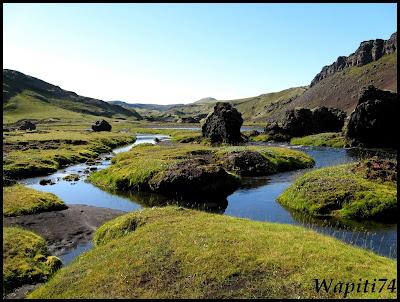 Un tour  d'Islande, au pays du feu... et des eaux. - Page 3 68-Eldgj%2525C3%2525A1-%2525C3%252593f%2525C3%2525A6rufoss