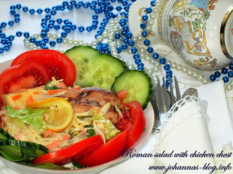 Roman salad with grilled chicken chest