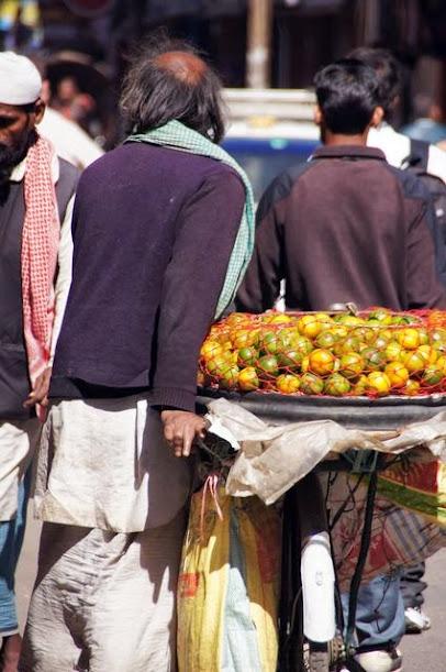 達人帶路-環遊世界-尼泊爾-水果小販