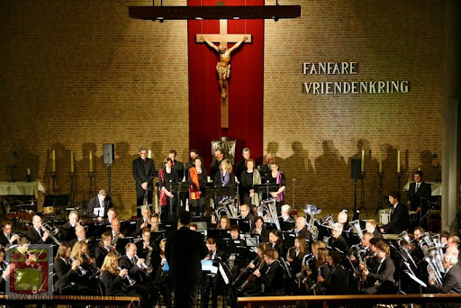 Bevrijdingsconcert Fanfare Vriendenkring overloon 05-05-2012 (42).JPG