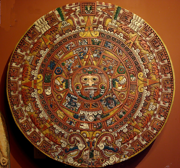 Piedra del sol calendario azteca mexica en relieve 1800 for Del sol horario