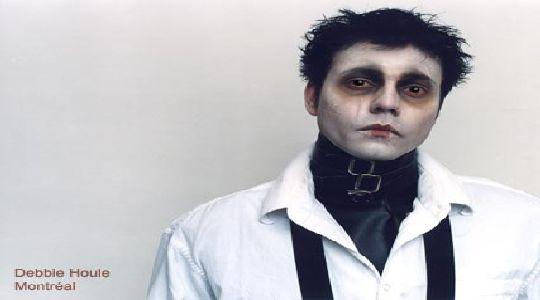 Maquillaje de halloween:Joven manos de tijera