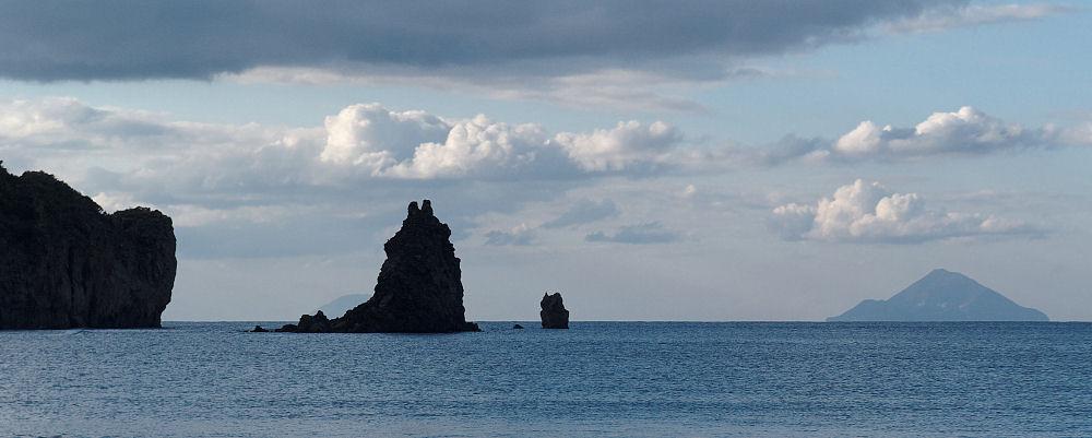 Скалы и вулканы