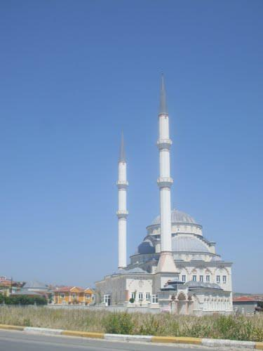 Kamiloba Yeni Camii