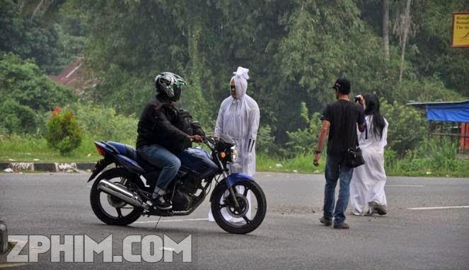 Ảnh trong phim Xác Ướp Trả Thù - Pocong keliling 1