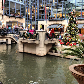 San Antonio Riverwalk Mall