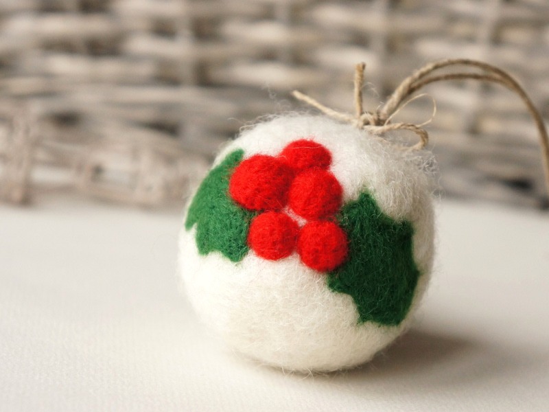 Felted Christmas ball with Ilex