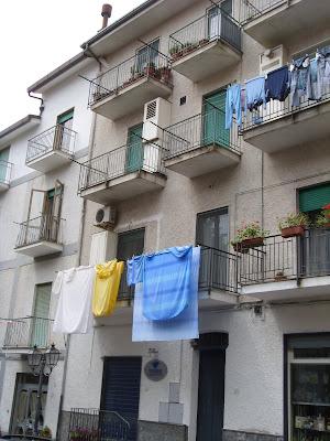 アパートの洗濯物