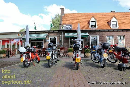 oldtimer bromfietsclub De Vlotter overloon 02-06-2013 (8).JPG
