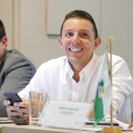 Alejo Arango Photo 12