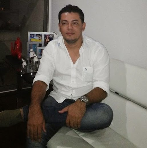 Alfonso Cadena Photo 14