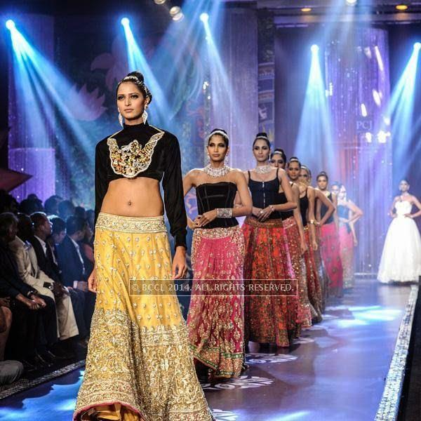 Models walk the ramp for the finale of India International Jewellery Week (IIJW), 2014, held at Grand Hyatt, in Mumbai.