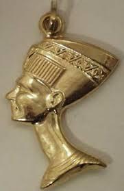 4. Dưỡng da bằng vàng.
