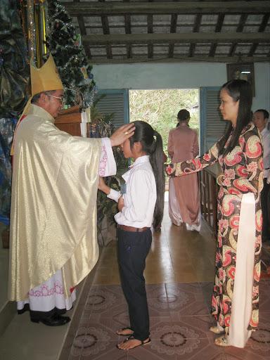 Chùm ảnh các em Giáo xứ Cầu Ké thêm sức và rước lễ lần đầu