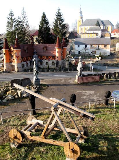Zamek Śląskich Legend - brama wejściowa do grodu