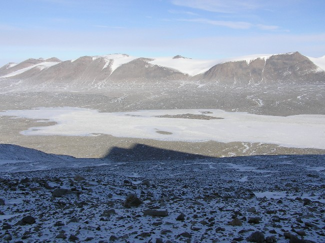 Lake Fryxell from the north, 2004(photo by A. Chiuchiolo)