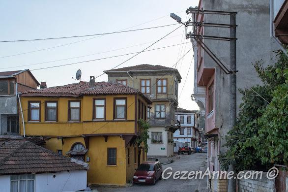 Bursa, Trilye sokaklarındaki evler