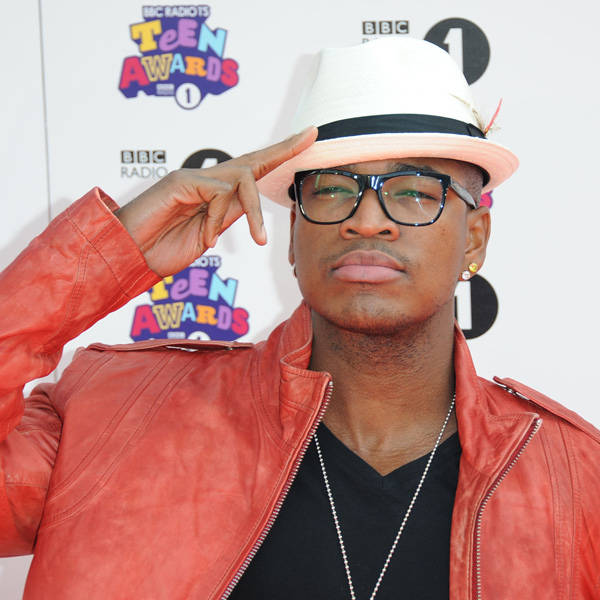 With labels like Compound, Motown, Def Jam to his name, Ne Yo is sensation in the music world. With a cash rich band balance Ne Yo too is known to be single as of now.