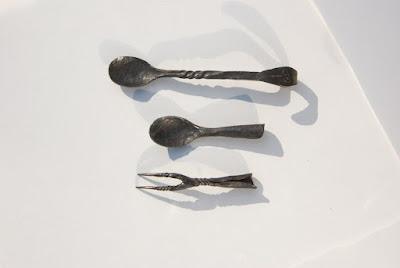 Cuillers et fourchette médiévales brut de forge