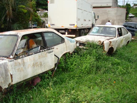 Abandonados em Curitiba Escombros%2520no%2520Marlene%2520Miranda%2520%252810%2529