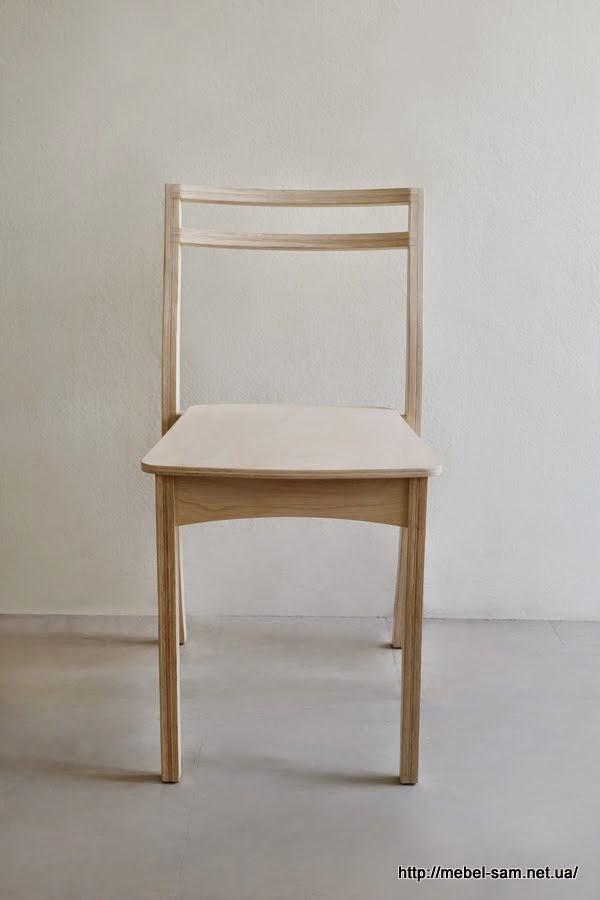 Стул из фанеры - вид спереди. Заметьте, крышка стула чуть уже.