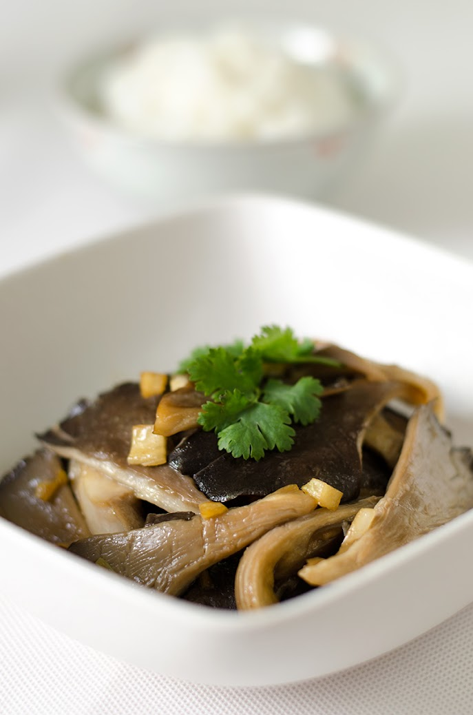 Easy Oyster Mushroom Stir-Fry | Omnivore's Cookbook