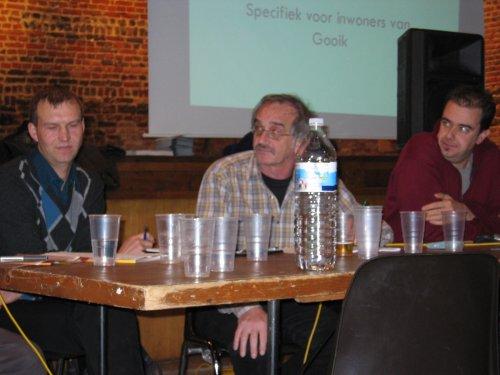 Vlnr: Filip Mignon (Gooikse milieu ambtenaar), Marc Berckmans (moderator) en Patrick Vinck (Woonwinkel Pajottenland)