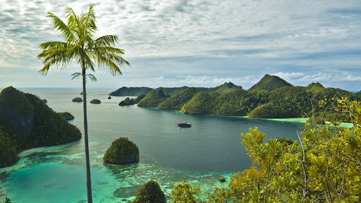 Pulau Wayag, Indonesia.jpg