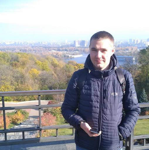 Олег Авдеенко