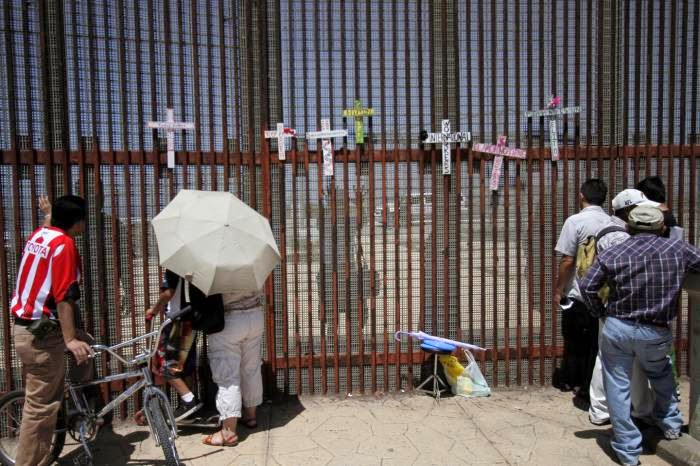 Mexicans seek donations for unaccompanied child migrants to US