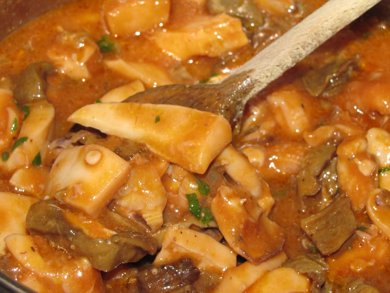 Belle di Padella: Seppie con funghi porcini e pomodoro
