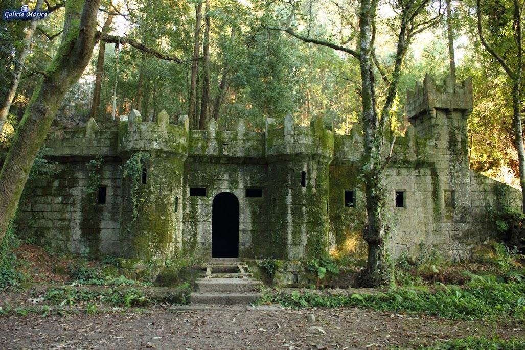 El bosque encantado galicia con ni os galicia m xica - Casitas en el bosque ...