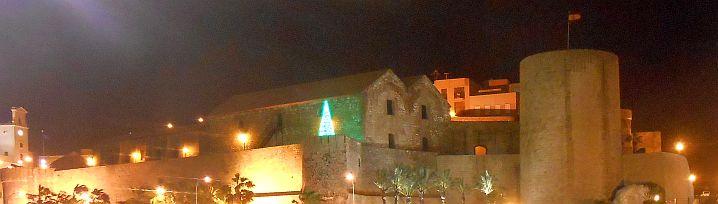 Melilla am Ersten Weihnachtsfeiertag abends