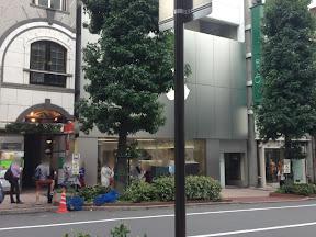 Apple Store 渋谷 10月9日(水)10時前の様子